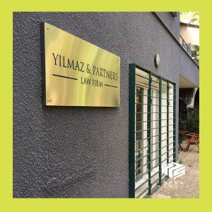 ofis-kapı-isimliği